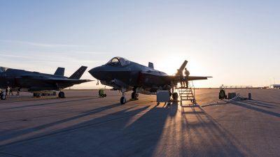 امریکہ نے عرب ممالک کو مزائل سسٹم ایف ۳۵ جنگی طیاروں کی فروخت روک دی