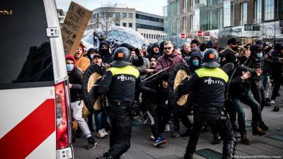 ہالینڈ ،کورونا پابندیوں کیخلاف پر تشدد مظاہرے