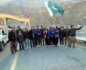 سرمائی سیاحت کا فروغ ٹیم بلتستان 9 روز میں 206 کلومیٹر کا فاصلہ طے کرکے گلگت پہنچ گئی