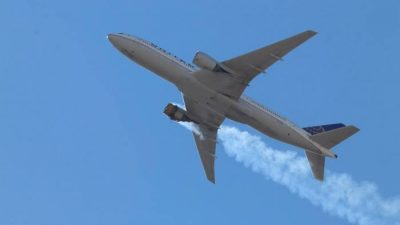 بوئنگ نے دھماکے کے واقعے کے بعد پی ڈبلیو 4000 انجنز کے حامل 777 طیاروں کا آپریشن معطل کرنے کی سفارش کردی