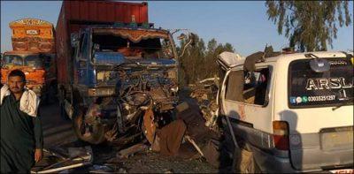 راولپنڈی ، بس اور ٹرالر میں تصادم سے 5 افراد جاں بحق ، 19 زخمی
