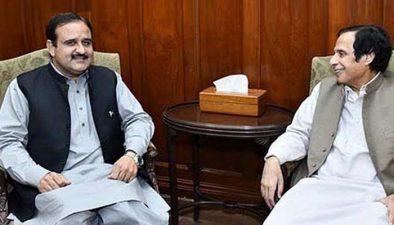 وزیر اعلی پنجاب سے چوہدری پرویز الٰہی کی ملاقات، سیاسی صورتحال چیئرمین سینیٹ کے الیکشن کے حوالے سے تبادلہ خیال