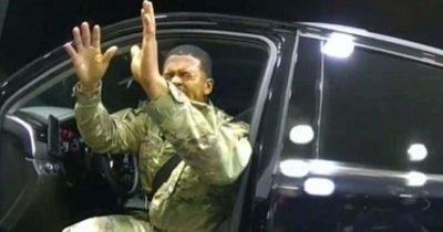 امریکہ،سیاہ فام لیفٹیننٹ کی گاڑی روکنے پر 2پولیس اہلکاروں کے خلاف ہر جانے کا دعوی