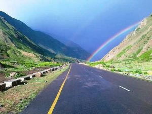 شاہراہ ناران ساڑھے 5 ماہ بعد ٹریفک کیلئے کھل گئی