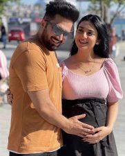 سارہ خان اورفلک نے نئی تصاویرمیں خوشخبری کی تصدیق کردی