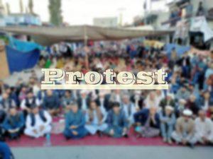 سکوارنالہ تنازعہ،مویشی واپس بھجوانے پرعوام نے شاہراہ کے ٹوبندکردی، احتجاجی مظاہرہ