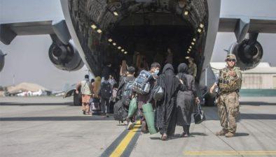 افغانستان سے انخلا میں کتنے ملکوں کی ائیر فورس اور فضائی کمپنیوں نے کردار ادا کیا؟