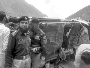 استورمیں ایک اور گاڑی کوحادثہ ،ایک سیاح جاں بحق7زخمی