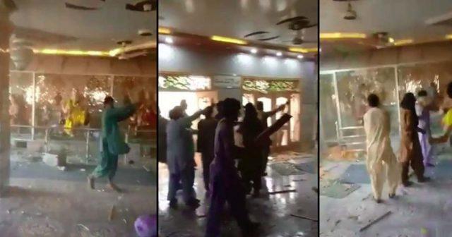 Mob-attacks-Hindu-Temple-in-Rahim-Yar-Khan.jpg